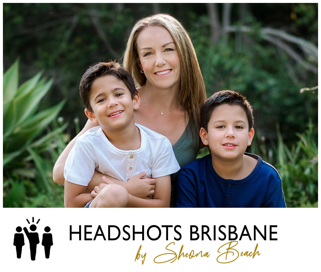 Traditional family portrait by Brisbane photographer, Sheona Beach